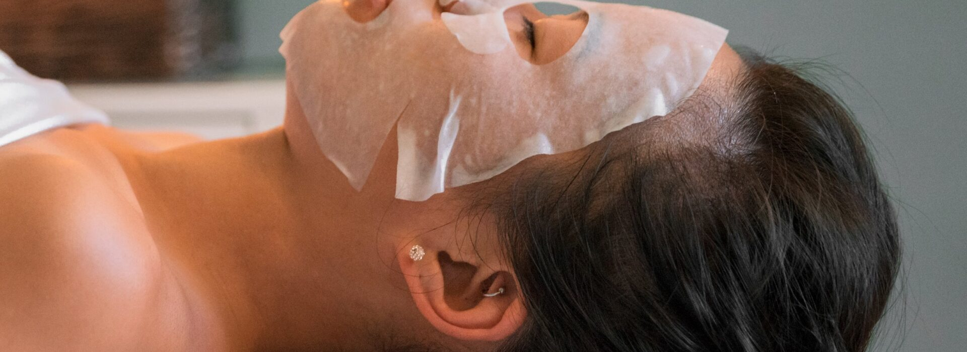 Experience a Paraffin Facial & Body Massage!